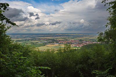 Blick von der Frankenhöhe bis zur Rhön