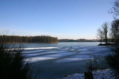 gefrorener See
